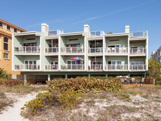 Gulf Front Luxury at Casa de BOB (Best on Beach!)