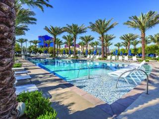 NEW 2 BR Resort Condo - Pools And Free Shuttle!, Las Vegas