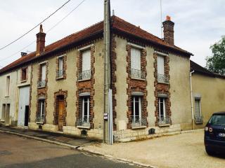 Maison de village proche Larchant et Fontainebleau