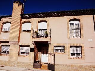 Vivenda uso turístico Entre Acebedas a 8 minutos de Segovia y 55 min. de Madrid