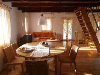 Einfamilienhaus zu vermieten in Westpeloponnes., Calamata