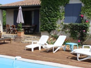 maison 4 kms Avignon piscine,parking sécurisé, Villeneuve-les-Avignon