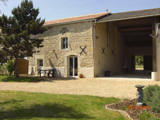 Newly Refurbished WOW Factor 5 Star Rated Gite, Saint-Macaire-du-Bois