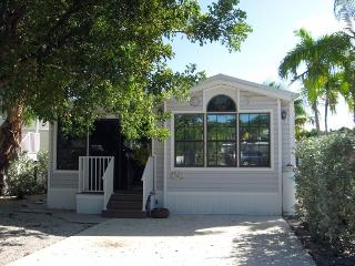 Brightly Decorated, Cudjoe Key