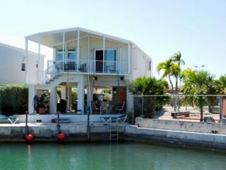 Canal - Located Near Amenities, Cudjoe Key