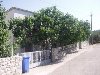 Cozy Apartment  Frane (4+2), Murter, Croatia