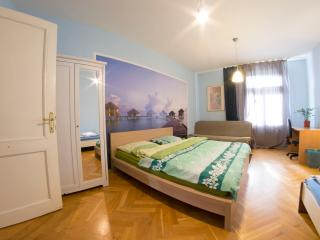 4-Bedroom City Center Apartment 135m2 Flat #8, Prag