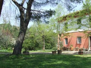 Country house in Chianti, garden, 7km Florence, San Casciano in Val di Pesa