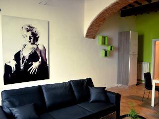 Delizioso Appartamento in Caratteristico Borgo, Massa Martana