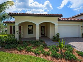 BEAUTIFUL 4/3 BDS FAMILY HOUSE IN NAPLES, Naples