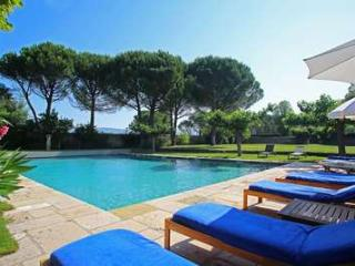Exceptional 8 Bedroom Villa in the Heart of Luberon