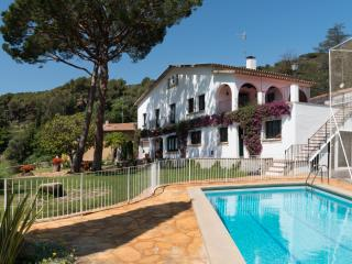 Catalan Farmhouse next to Barcelona. Private pool, Premià de Dalt