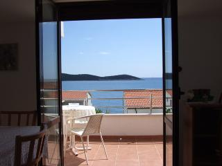 Apartment SEVID (2+2), close to beach, near TROGIR