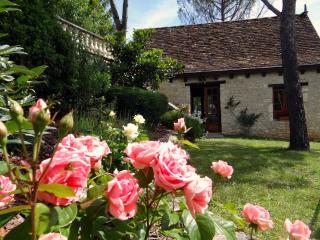 Une maison cosy avec jacuzzi en Dordogne près de Rocamadour