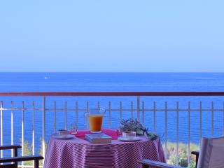 Cosy apartment, wonderful view 30m above sea level