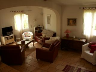 Belle villa dans un quartier calme, Rognes