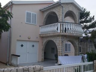 Simundic apartment 1, Vir