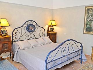Comfortable 2 bedroom apartment in the town centre, Cortona