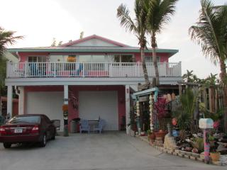 45 STEPS TO BEACH, 3BD/2B  SLEEPS 8, Manasota Key