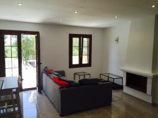 Beautiful newly renovated two bedroom flat to rent, Santa Ponsa
