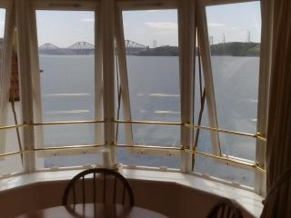 Beautiful Top Floor Flat With Stunning Views, Dalgety Bay