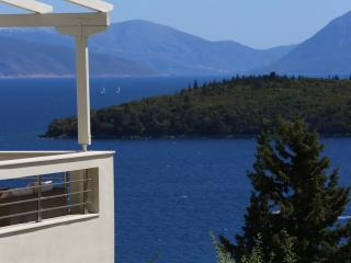 Villa Filia with great view, Perigiali