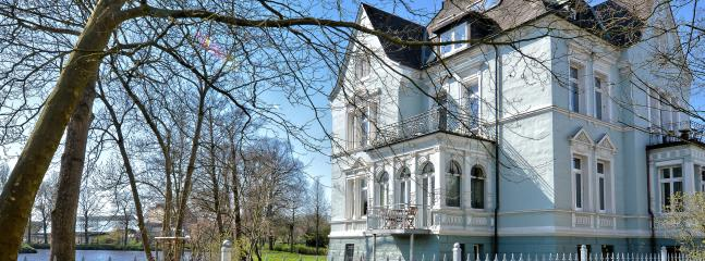 Villa Salve - Serviced Apartments - Stade near Hamburg