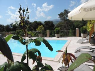 Villa NEOPROVENCALE, Opio