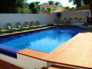 Magnífico chalet con gran piscina 300m de la playa, Ciudadela