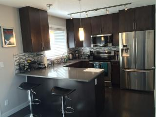 **Luxury Furnished 1471 SQFT Townhome**, Edmonton