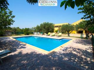 Stunning Peralada mansion for 15 people, only 8km from Costa Brava beaches!