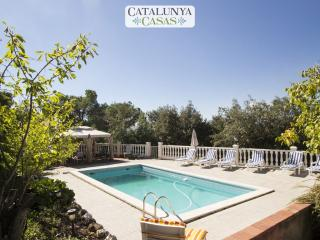 Vacarisses Grande for 16 people with a private pool, 40 minutes from Barcelona and the beach