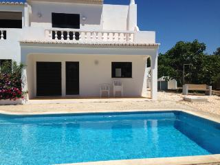 Villa V5 with swimming Pool 1000 m from the beach, Lagos