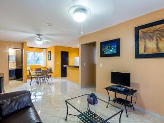 Casa Los Lirios - Gated Neighborhood, Convenient to Beaches and Downtown, Playa del Carmen