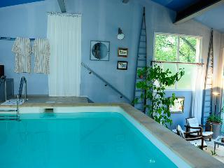 Gite*** pied du Ventoux , piscine privée chauffée