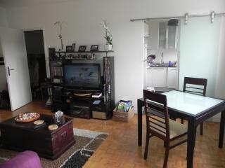 PARIS GENTILLY CITE U near metro/  privat car park, Gentilly