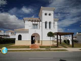 La Torre  Golf - 3 Bedrooms and private pool with safety fence