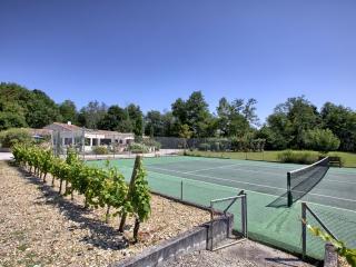 Demeure de charme avec tennis piscine spa sauna, Carignan-de-Bordeaux