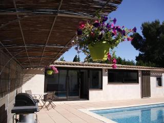 Appartement de charme avec piscine privée, Velaux