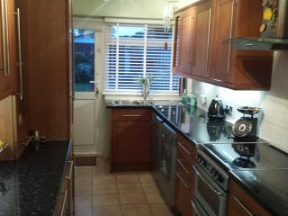 Hertfordshire 2 Bed House Croxley Near Watford, Croxley Green