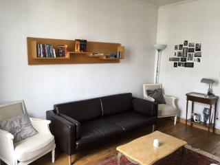 Parisian style flat - 3 stops from Champs Elysées, Neuilly-sur-Seine