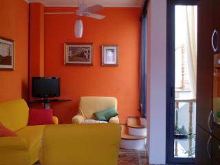 casa caterina, in centro vicino al mare, Pozzallo