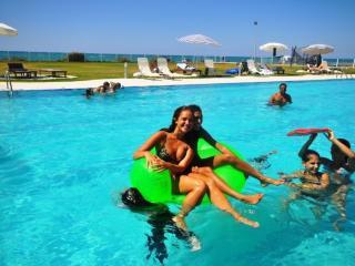 Beach,City,Fun!   2-Bed Sea View Apartment, Guzelyurt