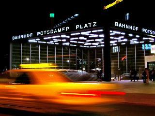 3-5 min WALK zum Brandenburg Gate/Reichstag 8853