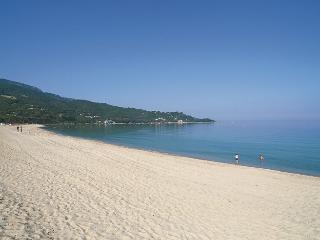 Corse-bel appartement- piscine privée -100m plage, Calcatoggio