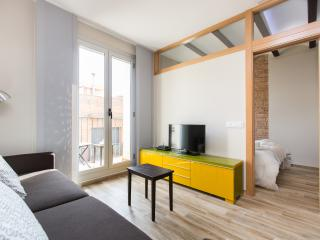 Cozy and Bright Apartment in Gracia