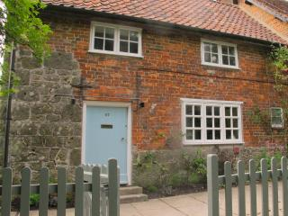 Idyllic country cottage with use of swimming pool, East Knoyle