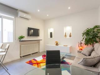 Modern and sunny flat in Gran Via