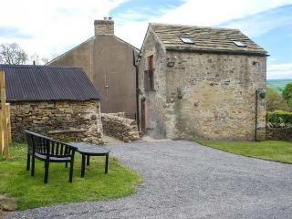 DROVER'S COTTAGE, open plan, WiFi, pet-friendly, plenty of walking, Wolsingham,
