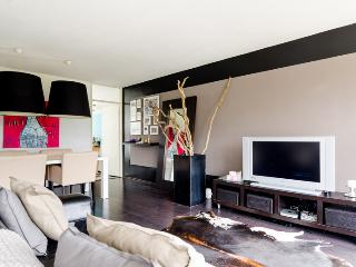 Stylish apartment near centre with balcony, Amsterdã